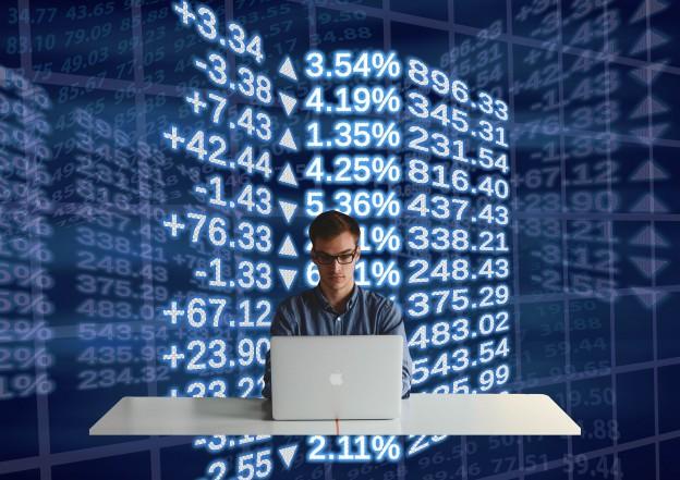 stock-exchange-911608_1920 (1)
